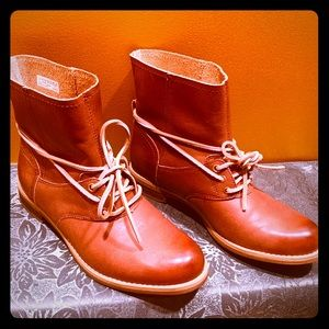 7.5 Timberland Savin Hill Lace Lt. Brown boots